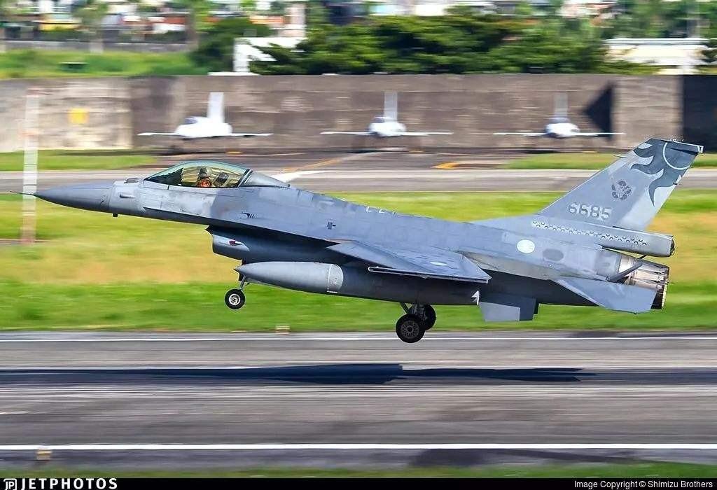 台媒梳理:至今已有7架F-16失事,首批在台服役逾20年