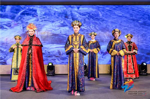 """""""嬉冰雪、泡温泉、到辽宁、过大年""""辽宁冬季旅游推介和旅游招商说明会在广州举行"""