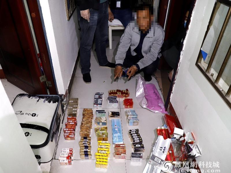 江油蒙面持刀抢劫超市嫌疑人被抓获
