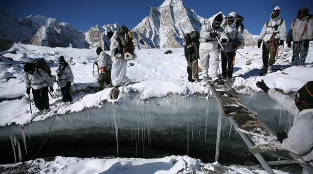 印度给中印边境守军发送劣质睡袋救急