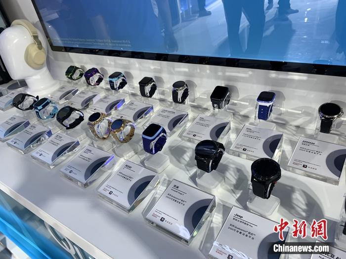 各种终端产品。<a target='_blank' href='http://www.chinanews.com/' >中新网</a> 吴涛 摄