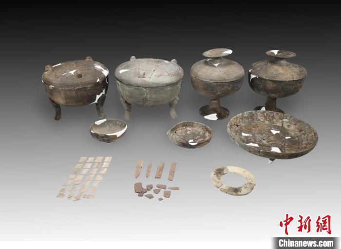 东周M6墓葬出土器物。山西省考古研究院供图