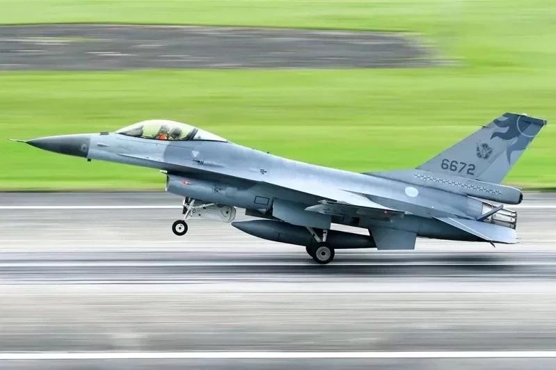 """台军F-16战机失联逾72小时,台湾""""搜救中心""""停止协搜"""