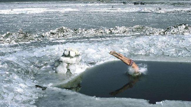 美媒:专家称耐寒训练有益健康