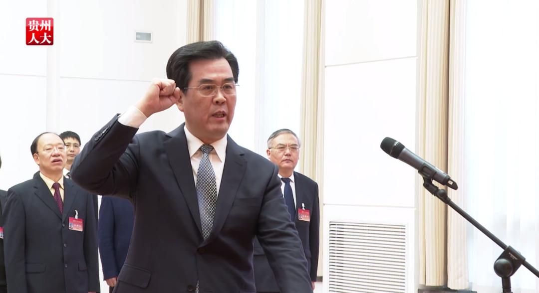 在國辦工作超20年,掌舵西南大省,李炳軍還有個特殊之處