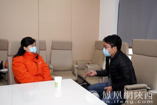 智库专家刘英与四叶草工作人员交流
