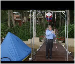 """比尔盖茨""""冰桶挑战""""视频截图"""