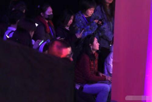 51岁陈红参加中式婚礼,生图美貌依旧,张纪中也在场 八卦 第6张