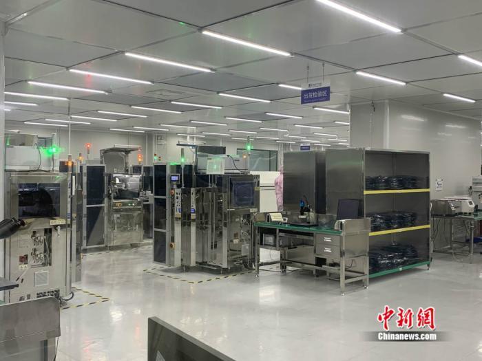 江西南昌,中科院苏州纳米所南昌研究院的展示区。 中新网 彭婧如 摄
