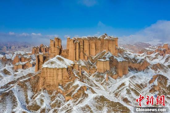 冰沟丹霞景区主要分布在甘肃省张掖市肃南县境内,景区核心游览区约120平方公里,分为小西天景观区和大西天景观区。