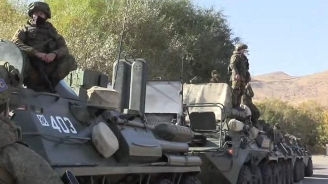 一名阿塞拜疆军人在纳卡地区丧生 俄维和人员受伤