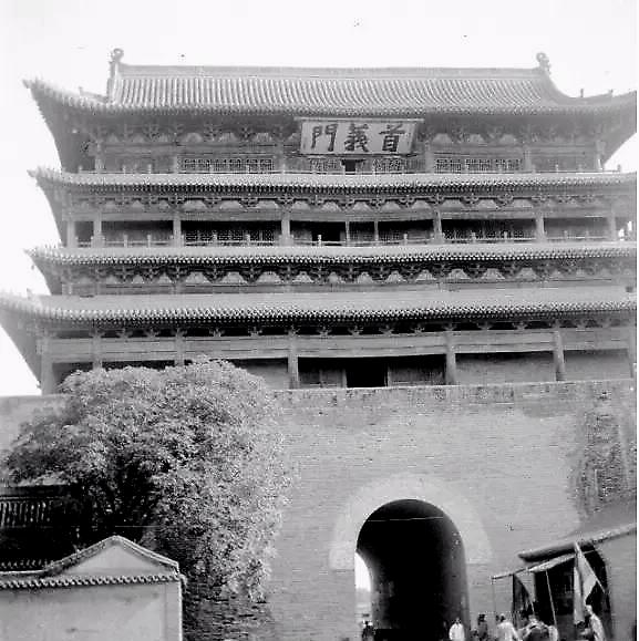 民国时期的太原首义门(又称新南门)
