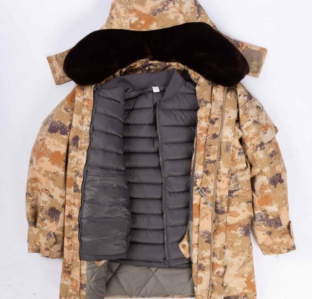 中国士兵装备的高寒地区服装