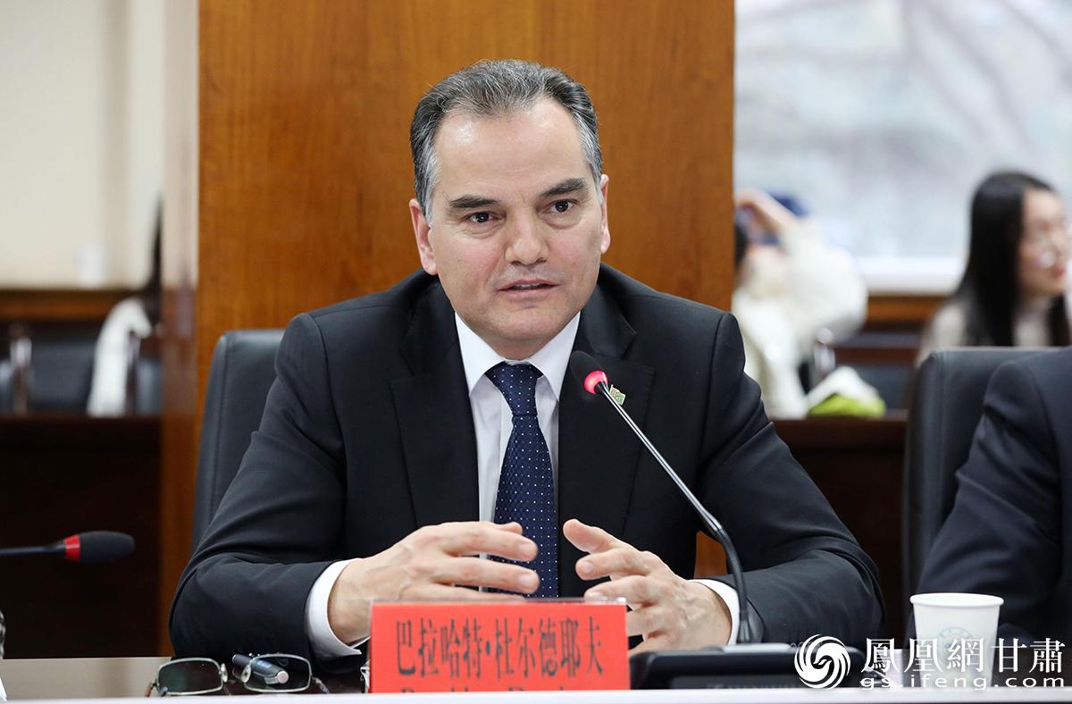 土库曼斯坦驻华大使巴拉哈特·杜尔德耶夫致辞 高诗尧 摄