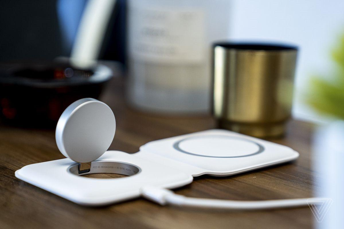瑞士苹果经销商称 MagSafe Duo 无线充电器将于12月