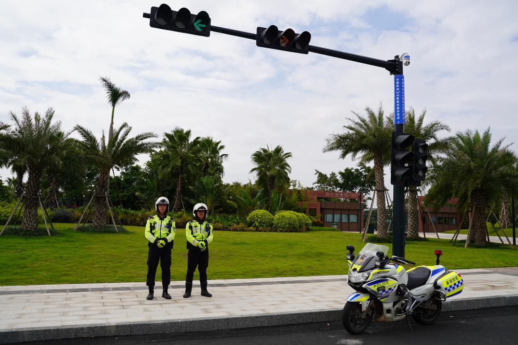 位于南宁园博园区域的5G+AI智慧交警项目摄像头。宋启崴/摄