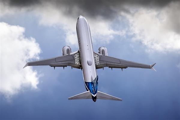 美国航空局局长亲自试飞2小时 波音737 Max最快11月放行