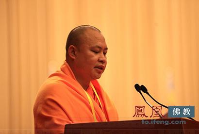 中国佛教协会副会长祜巴等傣长老(图片来源:凤凰网佛教 摄影:李保华)