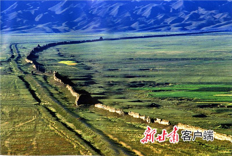 山丹境内绵延的长城 新甘肃·甘肃日报通讯员 赵谦喜 摄