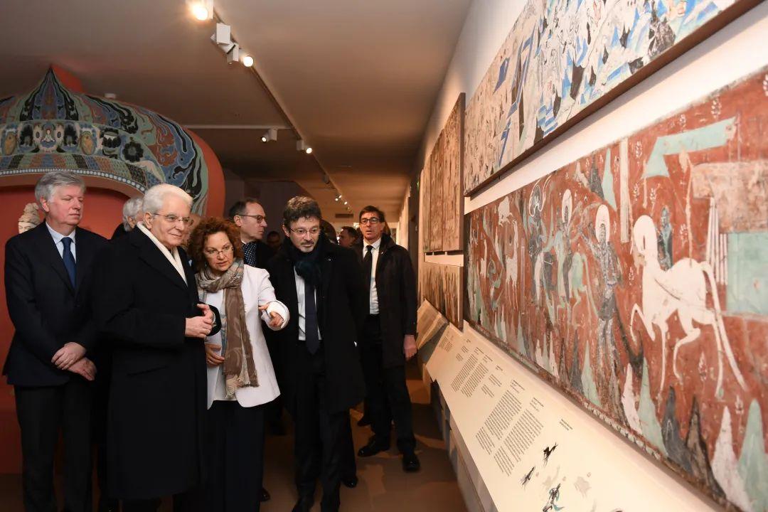 意大利总统马塔雷拉参观展览 图|@意大利威尼斯大学