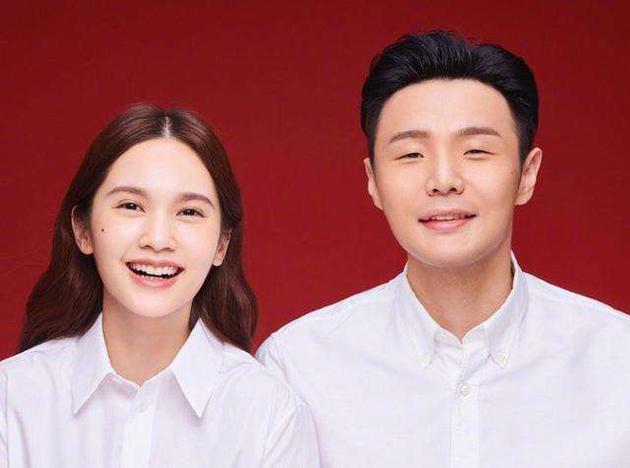杨丞琳晒李荣浩和狗狗对比照,网友爆笑:自己老公自己坑