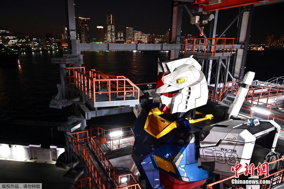 日本18米高巨型高达机器人模型亮相引围观