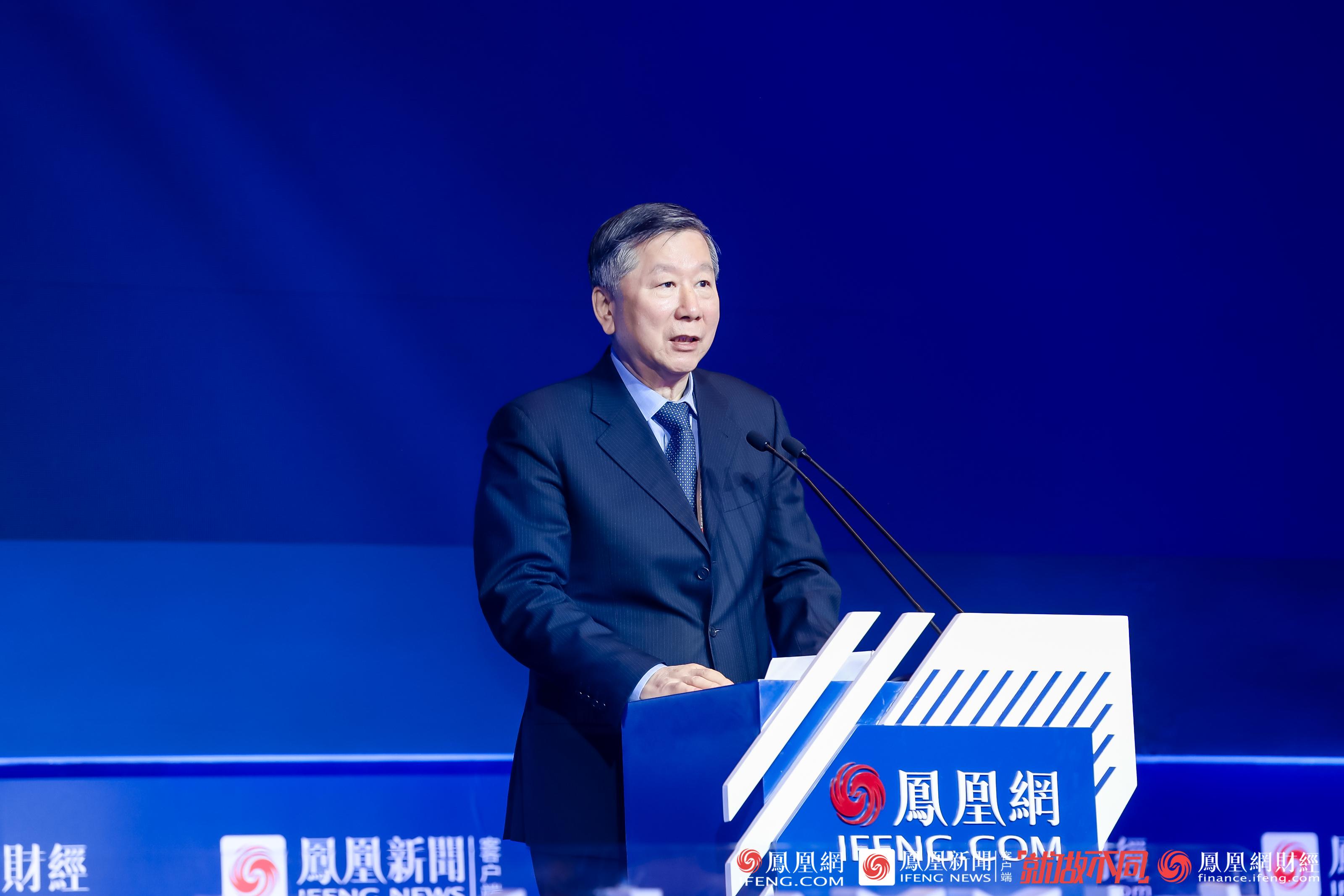 尚福林谈金融监管:有效控制融资平台、房地产、交叉金融等风险