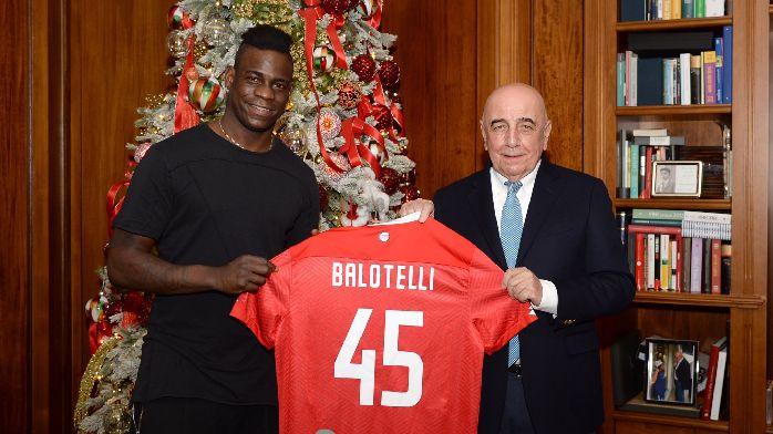 官方:巴洛特利签约意乙蒙扎,身穿45号,合同期半年