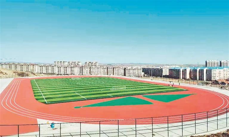 新建成的体育场。