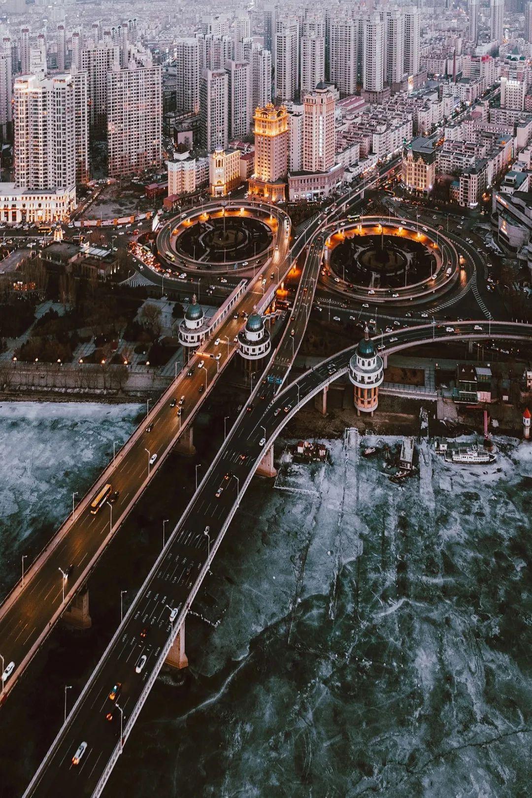 ▲ 哈尔滨的松花江公路大桥。图/视觉中国