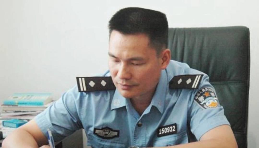 郴州一落马派出所长押解途中死亡 官方:该事件仍在调查中