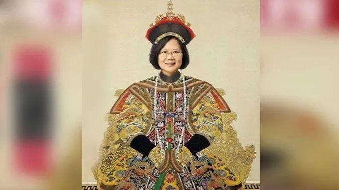 """体育资讯_《亚洲周刊》封面让蔡英文""""穿龙袍"""",道出一个真相_凤凰网"""