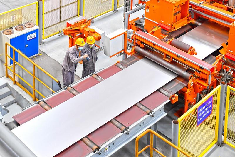 河钢正在组织生产镀铝板产品