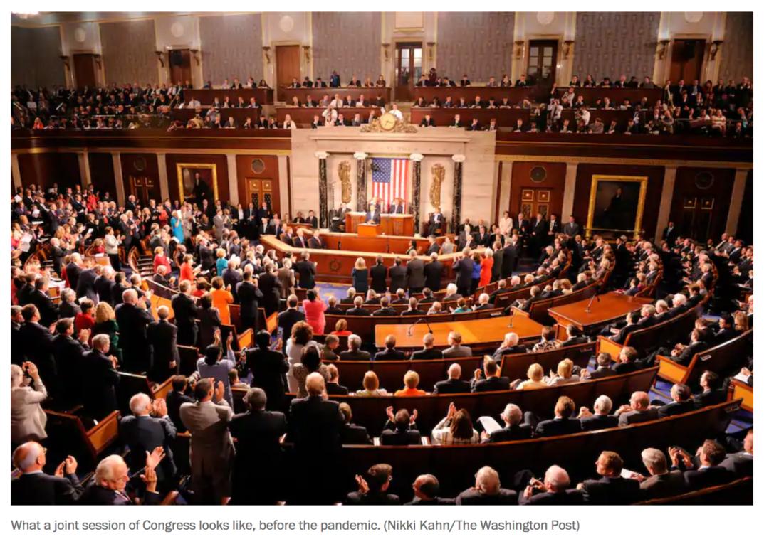 新冠肺炎疫情暴发前,参众两院举行联席会议。/ 《华盛顿邮报》网站截图
