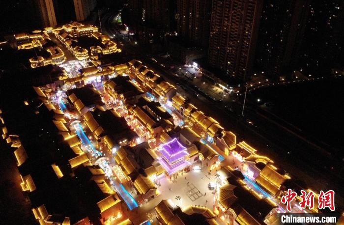 三千灯盏点亮兰州老街不经意与年味儿撞个满怀