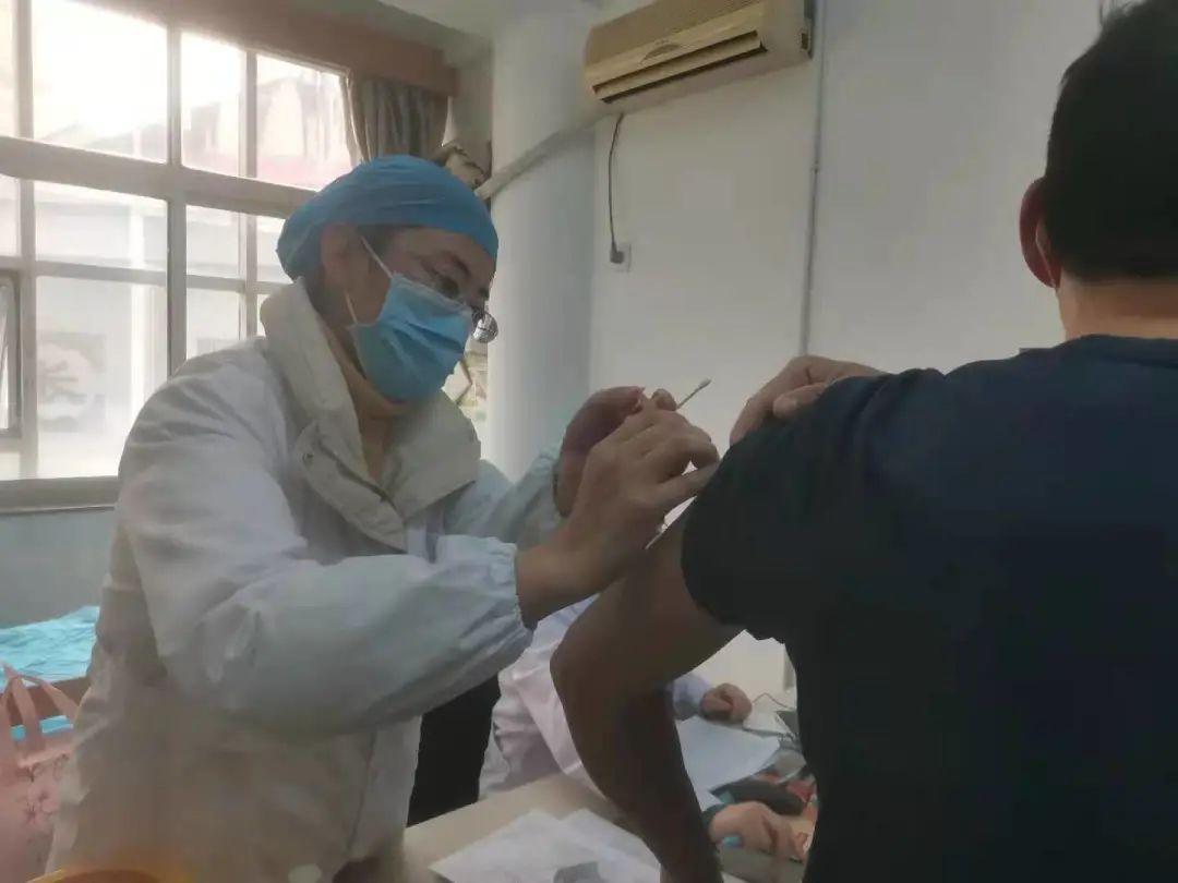 《【恒煊h5登陆】九江浔阳区重点人群接种新冠病毒疫苗 每支都有二维码》