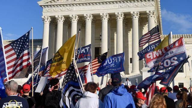 """见特朗普最后一面?百万抗议者涌入华盛顿,""""骄傲男孩""""主席被捕"""