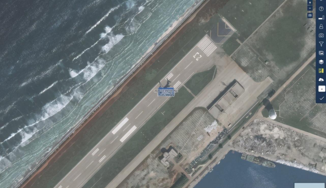 港媒:山东舰和075参加演习前,运-20降落南沙永暑礁