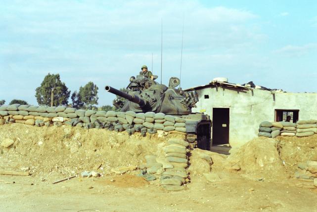 中印边境坦克对峙让人捏把汗,15式坦克虽强,还得防突然挑衅