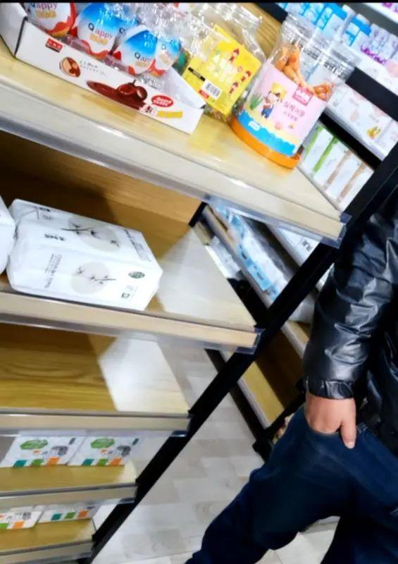 """【刘亦菲 水戏】_""""大头娃娃""""抑菌霜涉事母婴店下架产品,店员称有宝宝湿疹就推荐"""