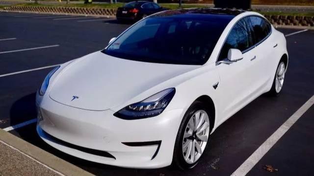 外媒:特斯拉售价2.5万美元的电动汽车或于2022年面世