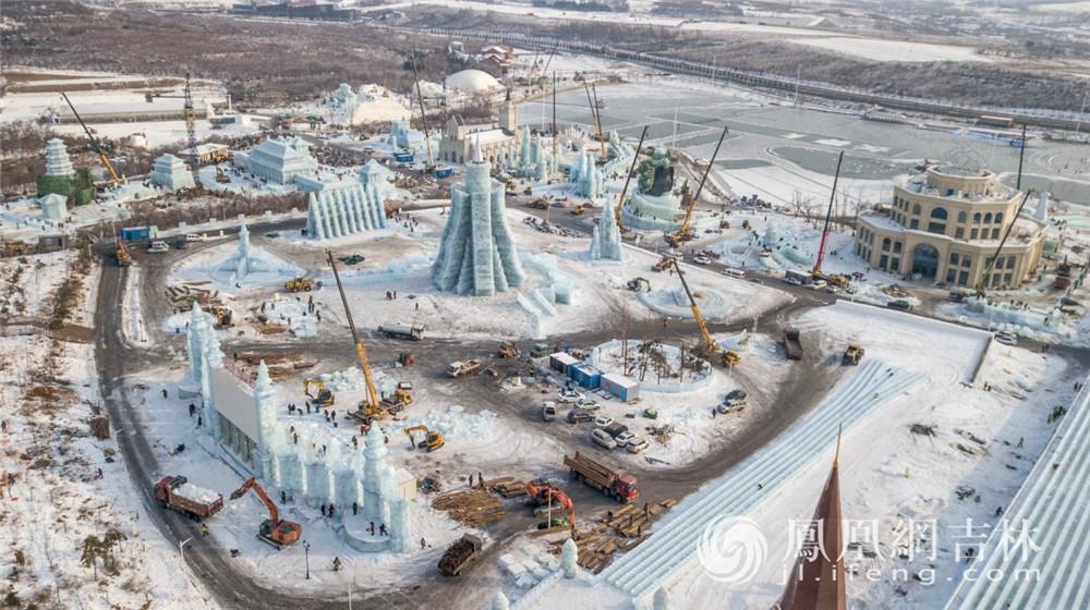 建设中的长春冰雪新天地。梁琪佳摄