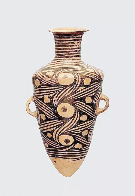 属马家窑文化的涡纹彩陶瓮