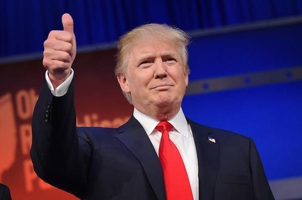 特朗普为最好的朋友授勋,朋友却发公告:很荣幸,但是我拒绝
