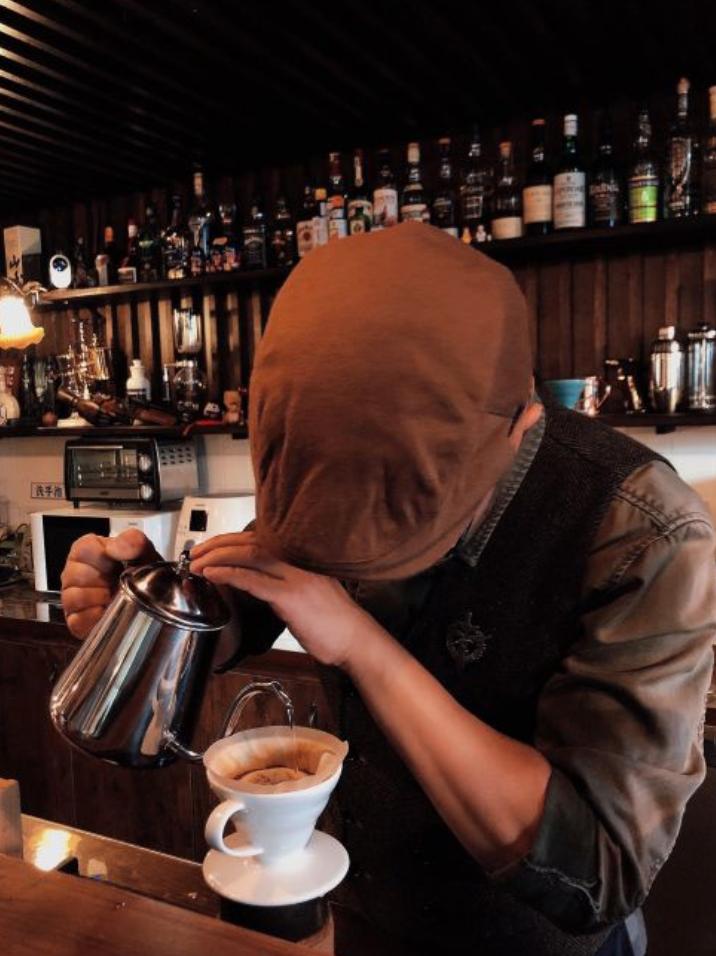 北京冷到泼水成冰,赶紧躲进咖啡厅