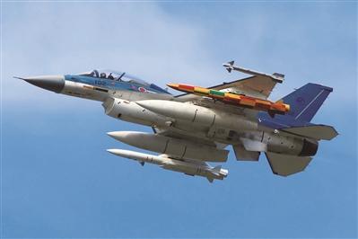 F-2战斗机挂载两枚ASM-3A超音速空舰导弹进行测试