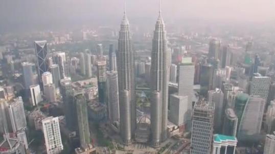 吉隆坡双子塔的占地面积有多大?竟是帝国大厦的9倍