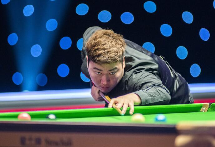 00后第一人!中国天才逆转希金斯 夺斯诺克大师赛首冠