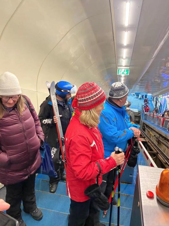 疫情前在瑞士采尔马特滑雪的游客 摄影/金叶子