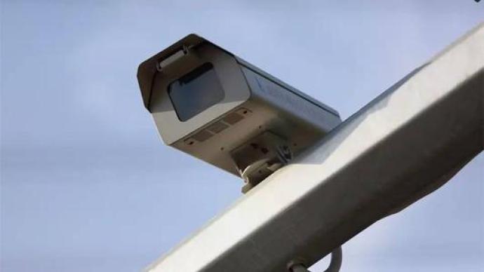 网友反映交通监控摄像头的闪光灯太亮了,公安部:正组织整改